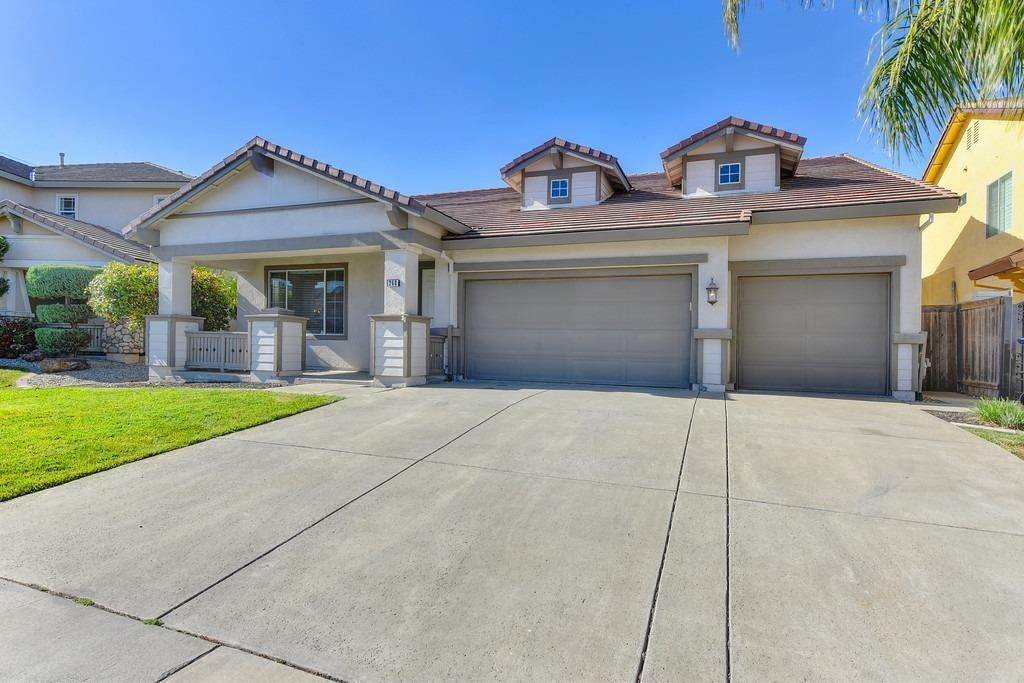 5. Single Family Homes for Active at 260 Aldeburgh Circle Sacramento, California 95834 United States