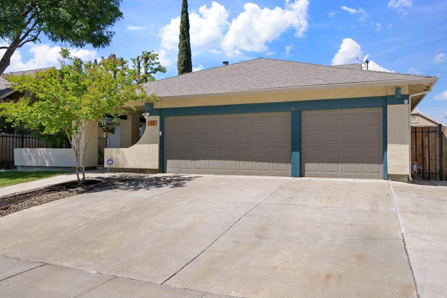 43. Single Family Homes for Active at 11 Wimbledon Lane Tracy, California 95376 United States