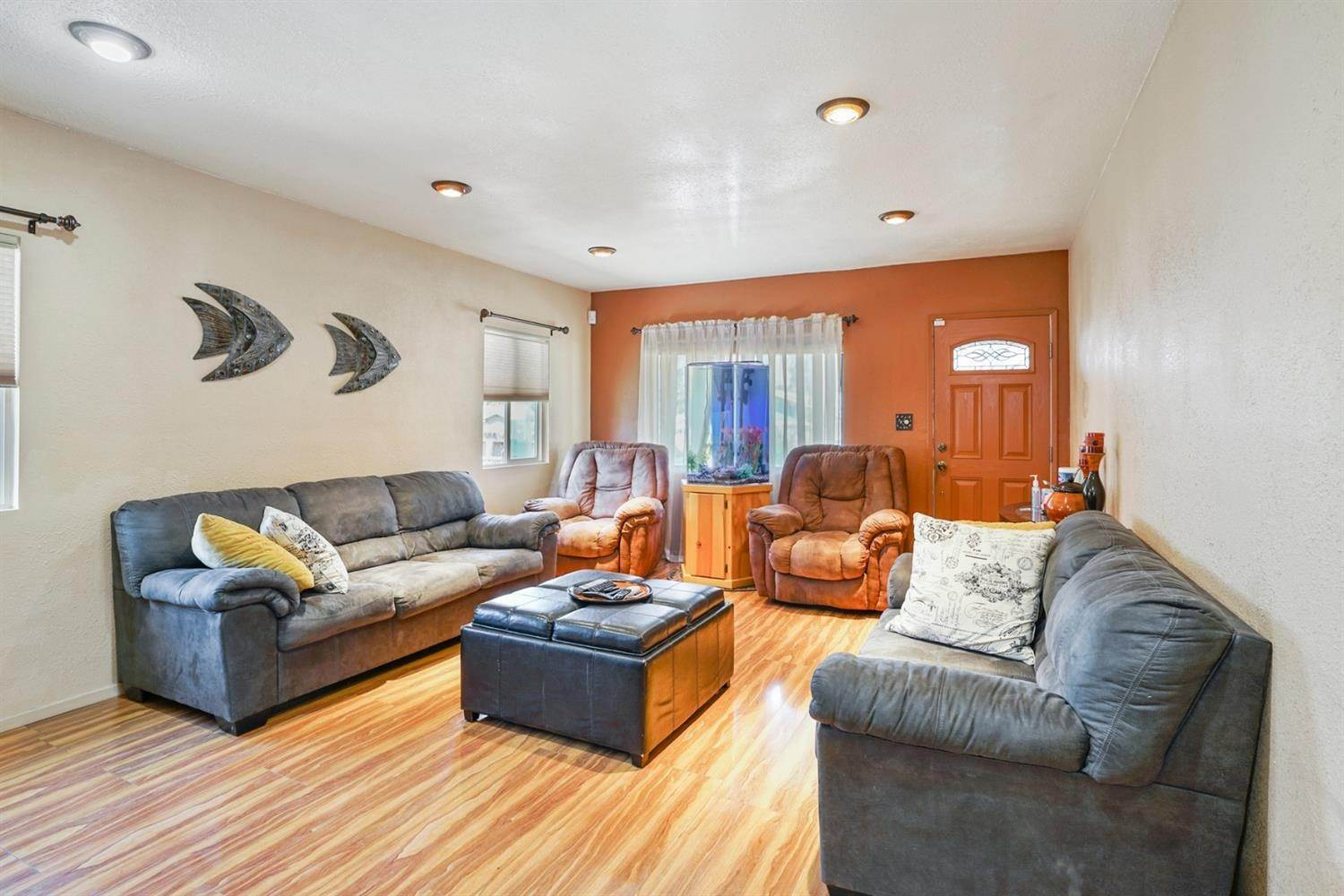 8. Single Family Homes for Active at 3980 Edgemoor Place Oakland, California 94605 United States