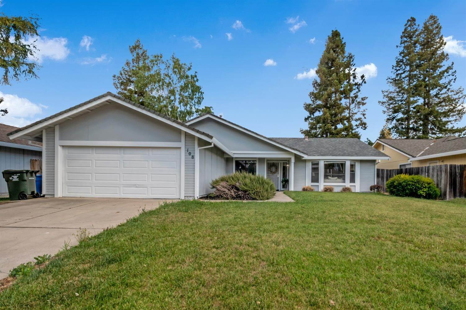 2. Single Family Homes for Active at 108 BLUE WATER Circle Sacramento, California 95831 United States
