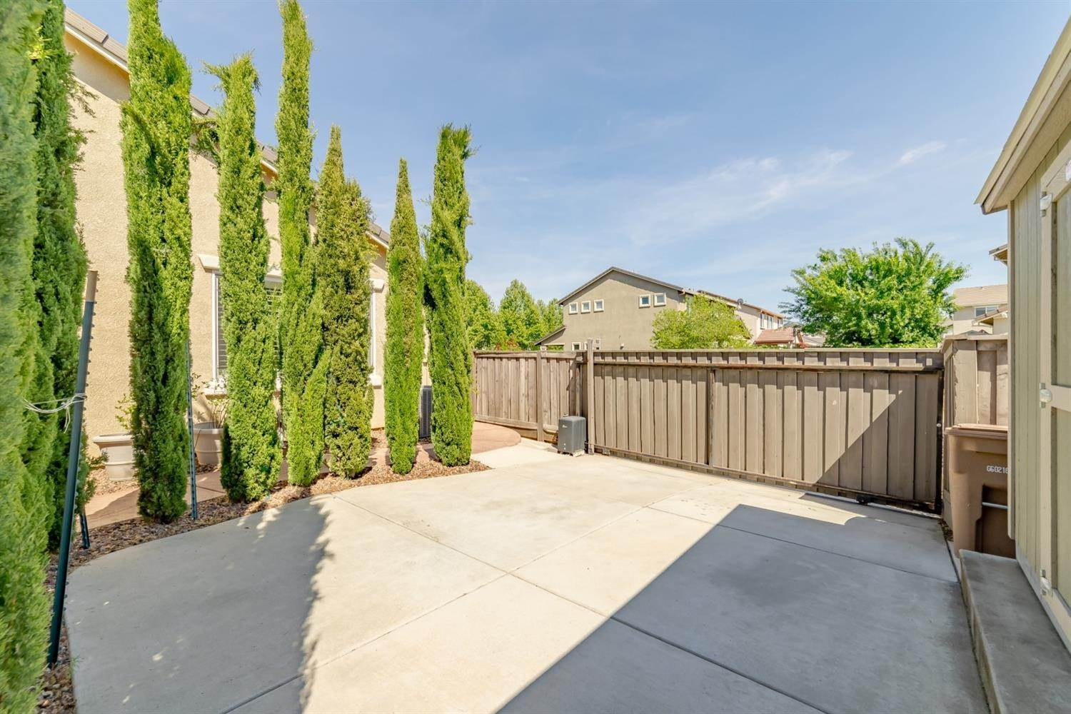 42. Single Family Homes for Active at 7900 Cellana Drive Elk Grove, California 95757 United States