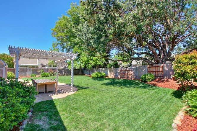 38. Single Family Homes for Active at 9125 Tuxford Court Elk Grove, California 95624 United States