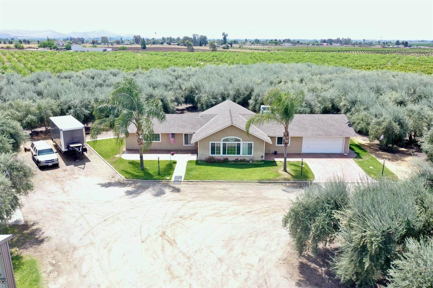 Single Family Homes por un Venta en 25323 Avenue 216 Lindsay, California 93247 Estados Unidos