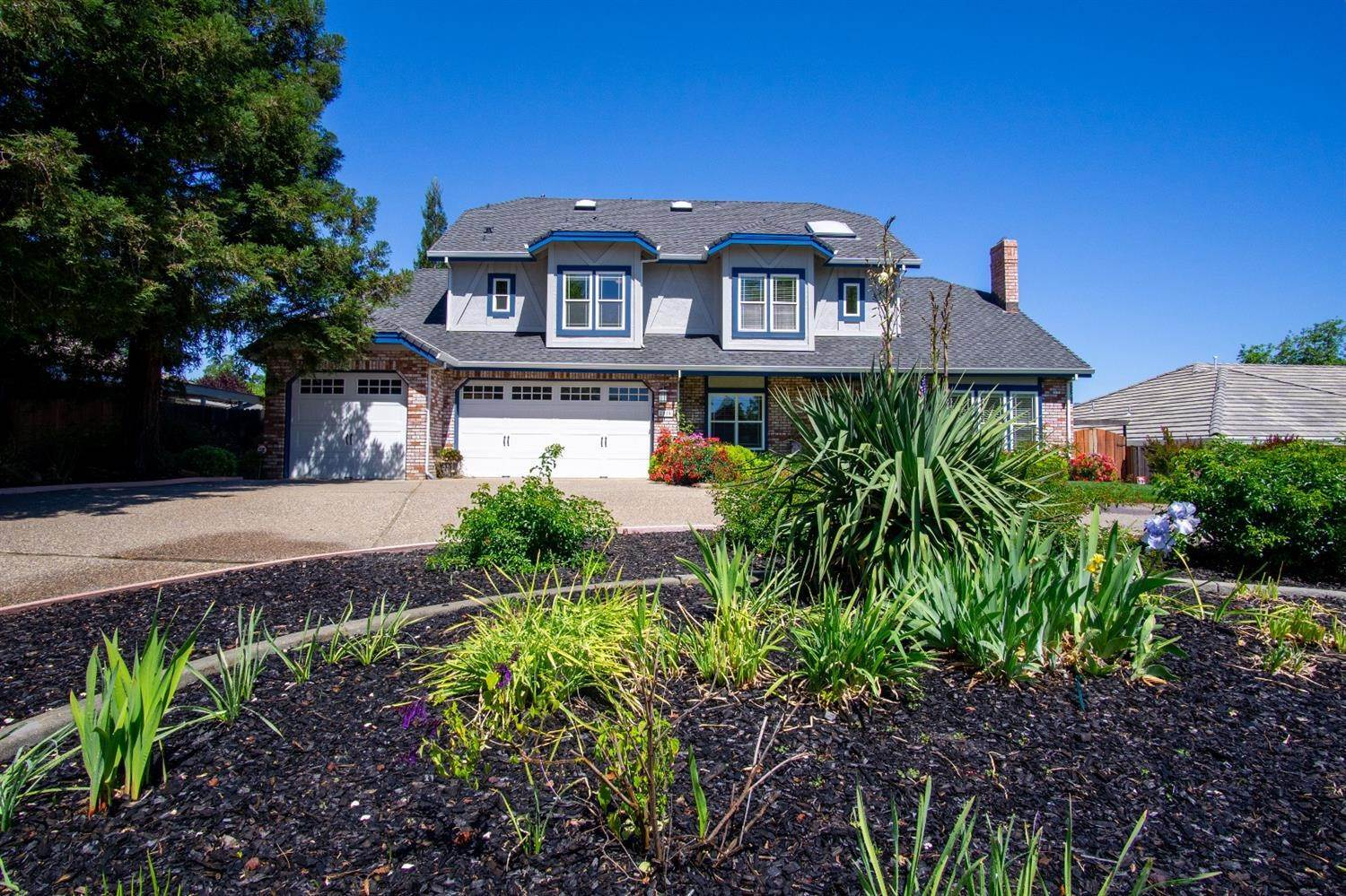 Single Family Homes for Active at 2010 Nicklaus Circle Roseville, California 95678 United States