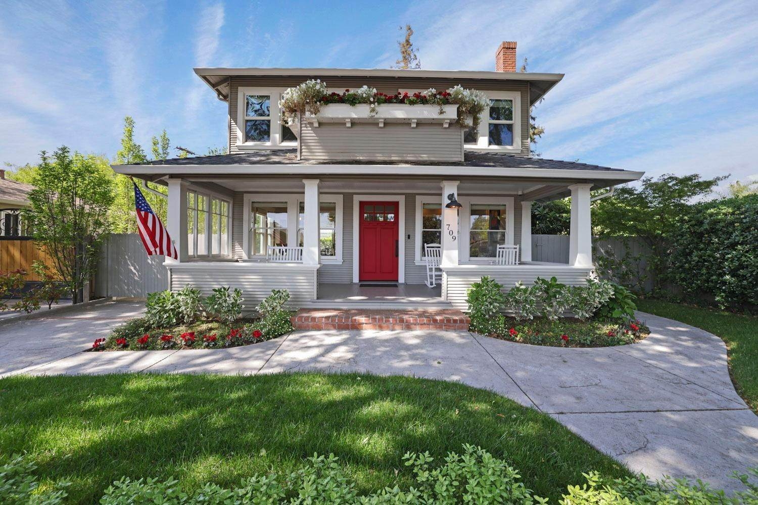 2. Single Family Homes for Active at 709 W Locust Street Lodi, California 95240 United States