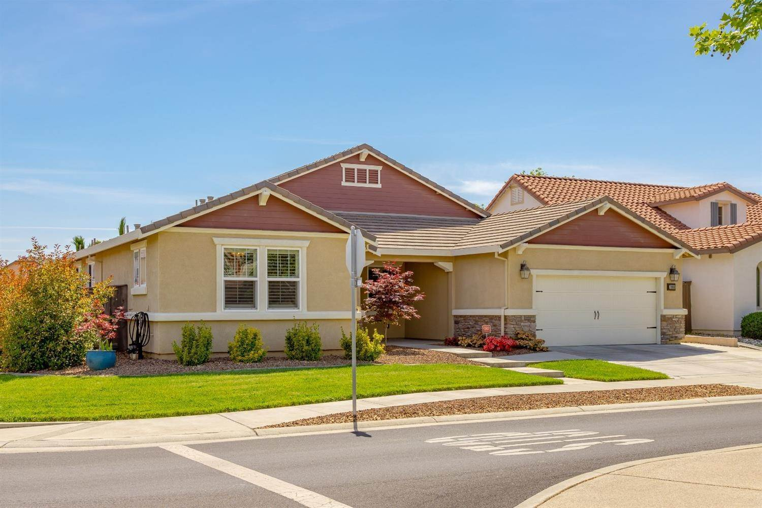 2. Single Family Homes for Active at 7900 Cellana Drive Elk Grove, California 95757 United States