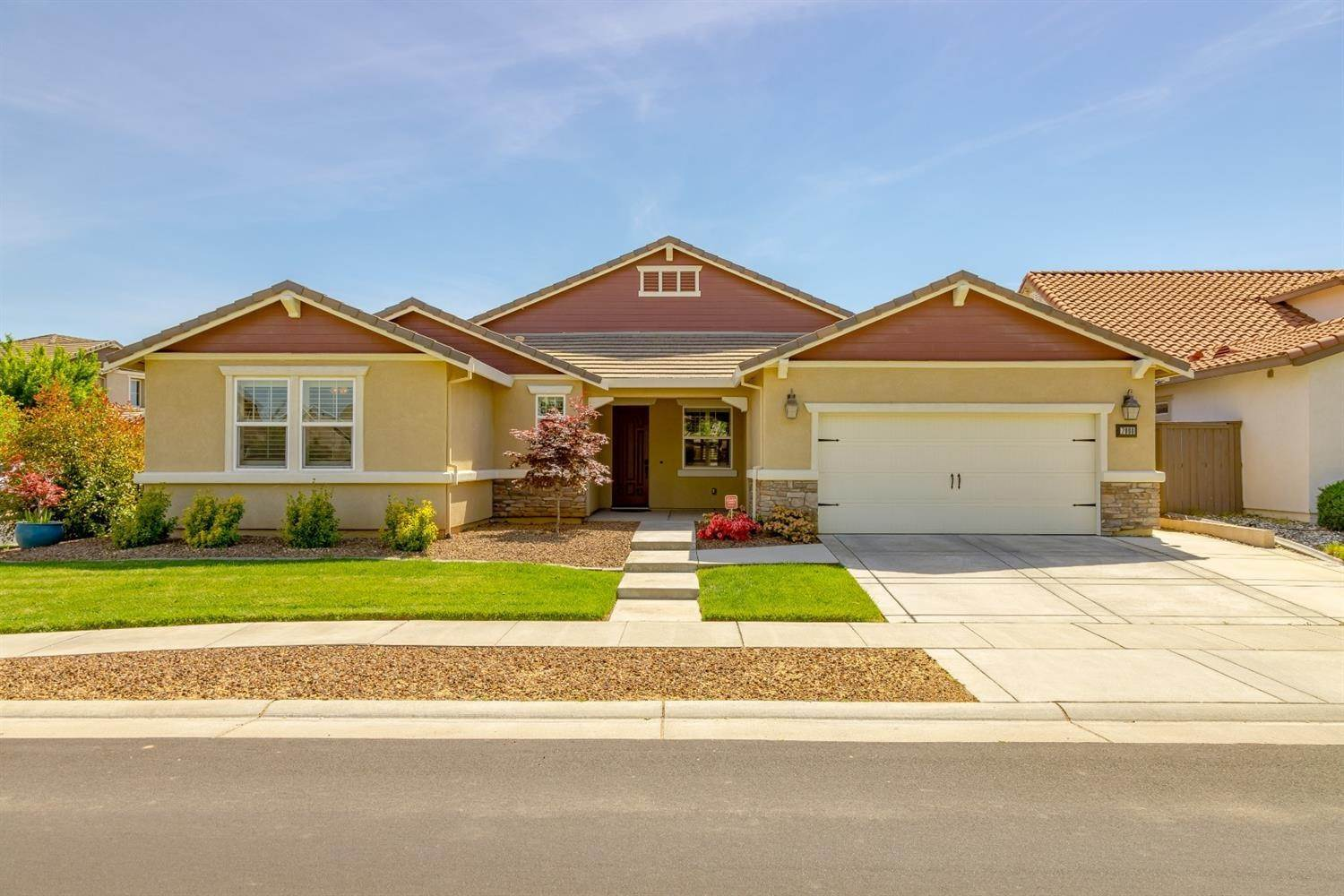 3. Single Family Homes for Active at 7900 Cellana Drive Elk Grove, California 95757 United States