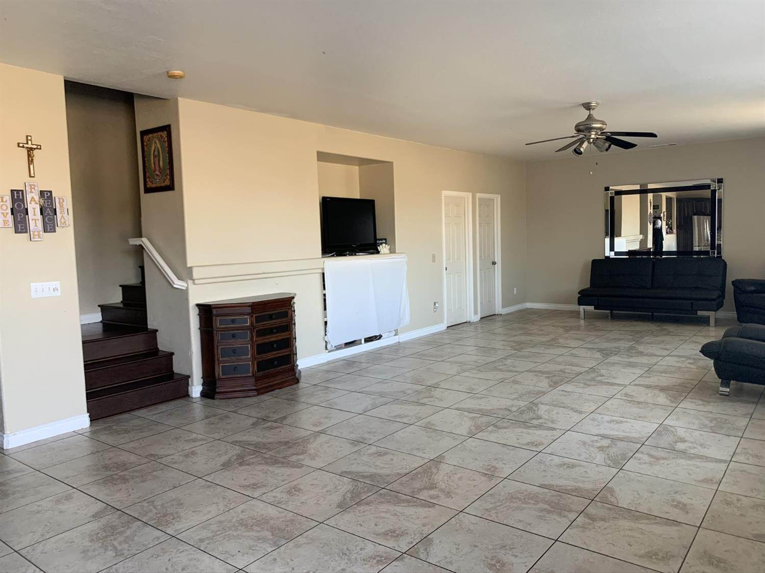 10. Single Family Homes for Active at 1807 Van Gogh Lane Stockton, California 95206 United States
