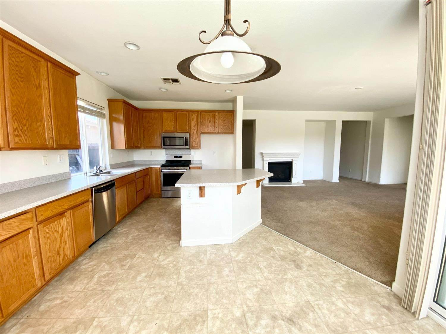 15. Single Family Homes for Active at 8362 Lollipop Lane Elk Grove, California 95624 United States