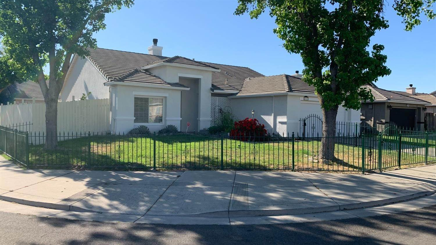 2. Single Family Homes for Active at 4757 Edgebrook Avenue Stockton, California 95206 United States