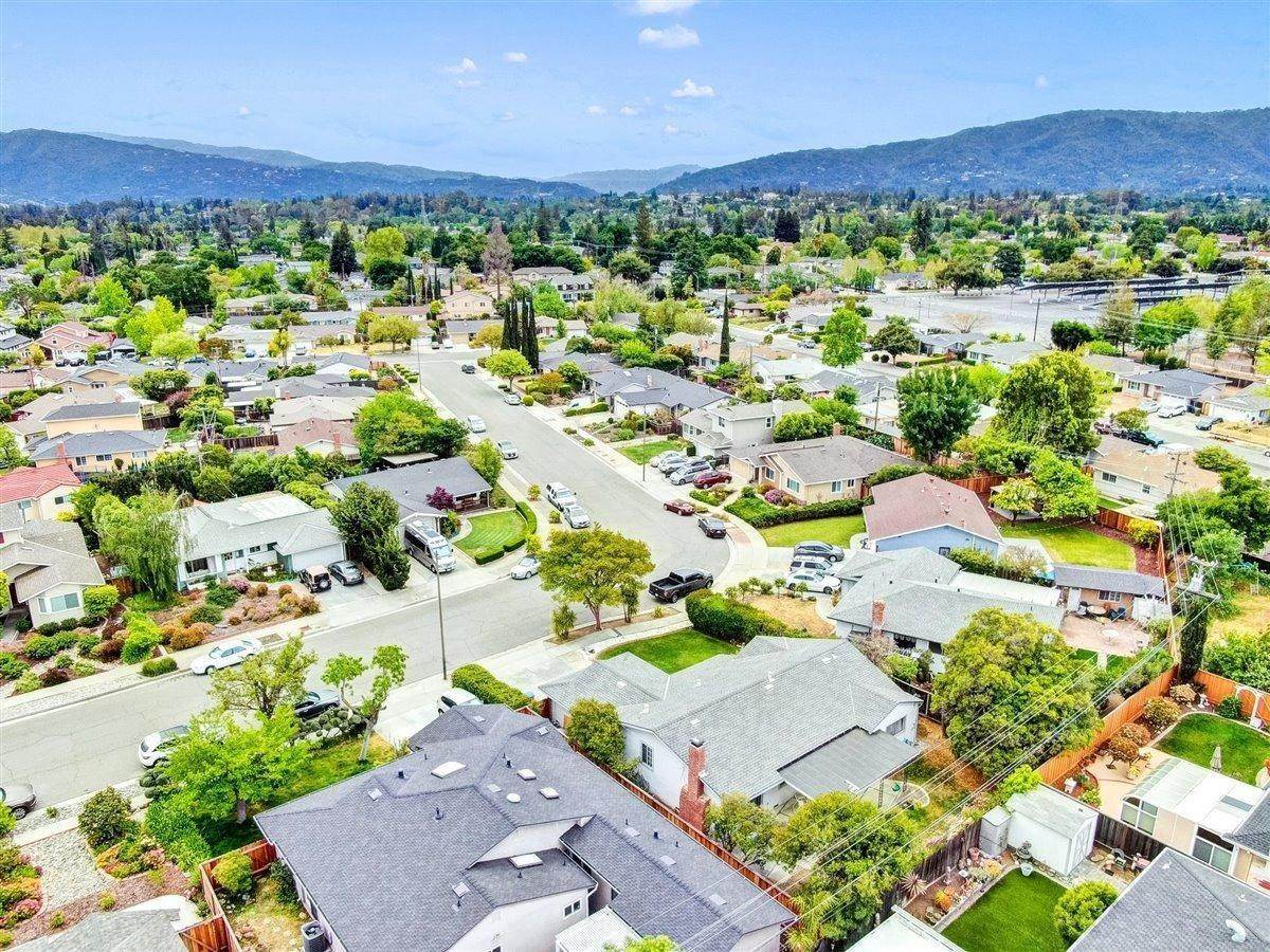 21. Single Family Homes for Active at 1715 Ebbetts Drive Campbell, California 95008 United States