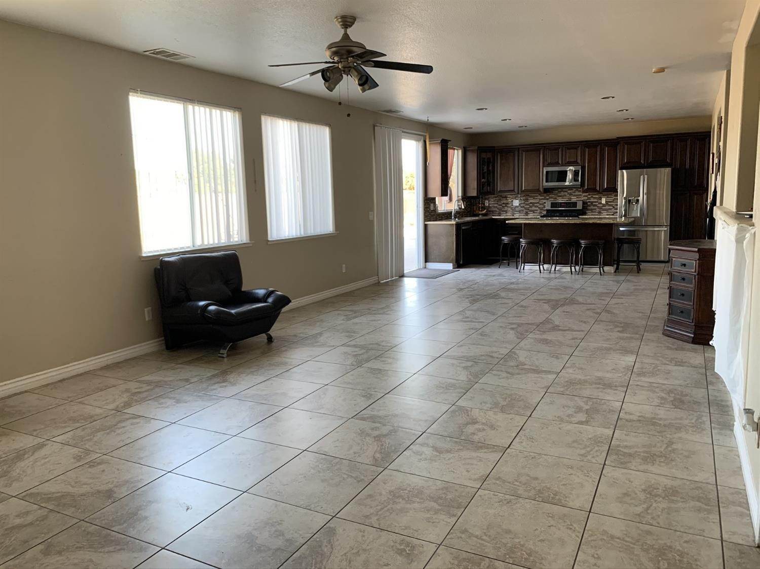 15. Single Family Homes for Active at 1807 Van Gogh Lane Stockton, California 95206 United States