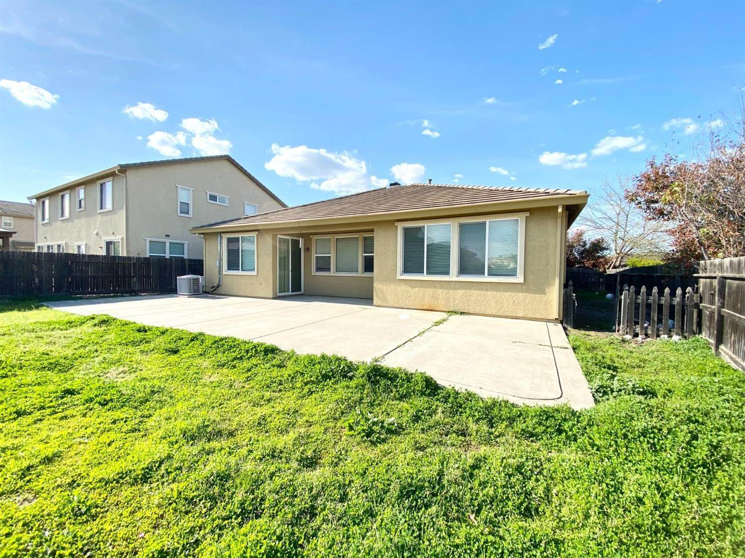 30. Single Family Homes for Active at 8362 Lollipop Lane Elk Grove, California 95624 United States