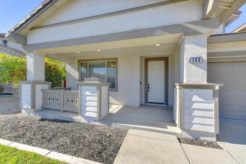 7. Single Family Homes for Active at 260 Aldeburgh Circle Sacramento, California 95834 United States