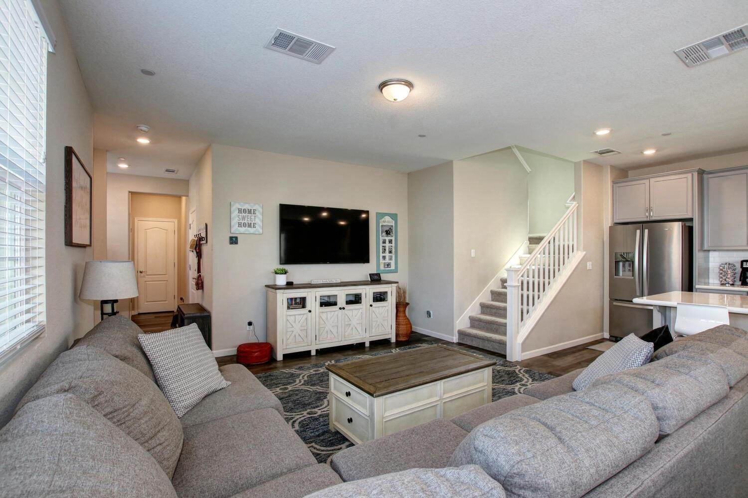 29. Single Family Homes for Active at 8200 Kramer Ranch Lane Elk Grove, California 95758 United States