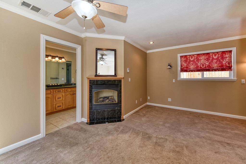 26. Single Family Homes for Active at 8515 Lonon Court Orangevale, California 95662 United States