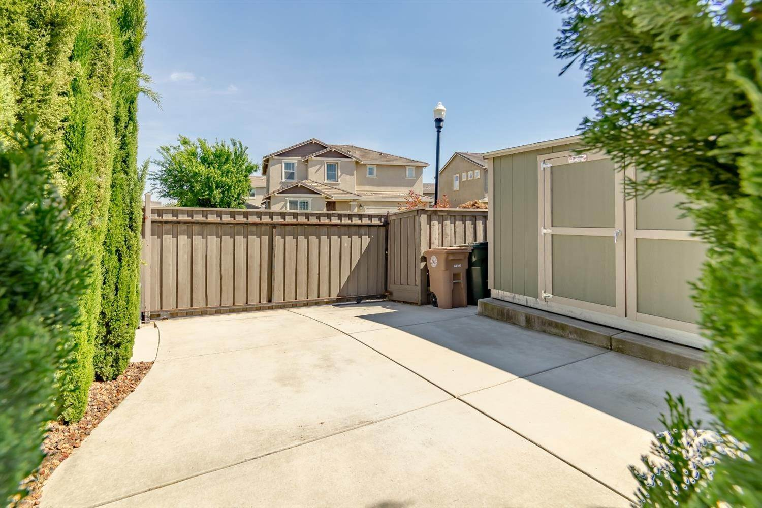 40. Single Family Homes for Active at 7900 Cellana Drive Elk Grove, California 95757 United States