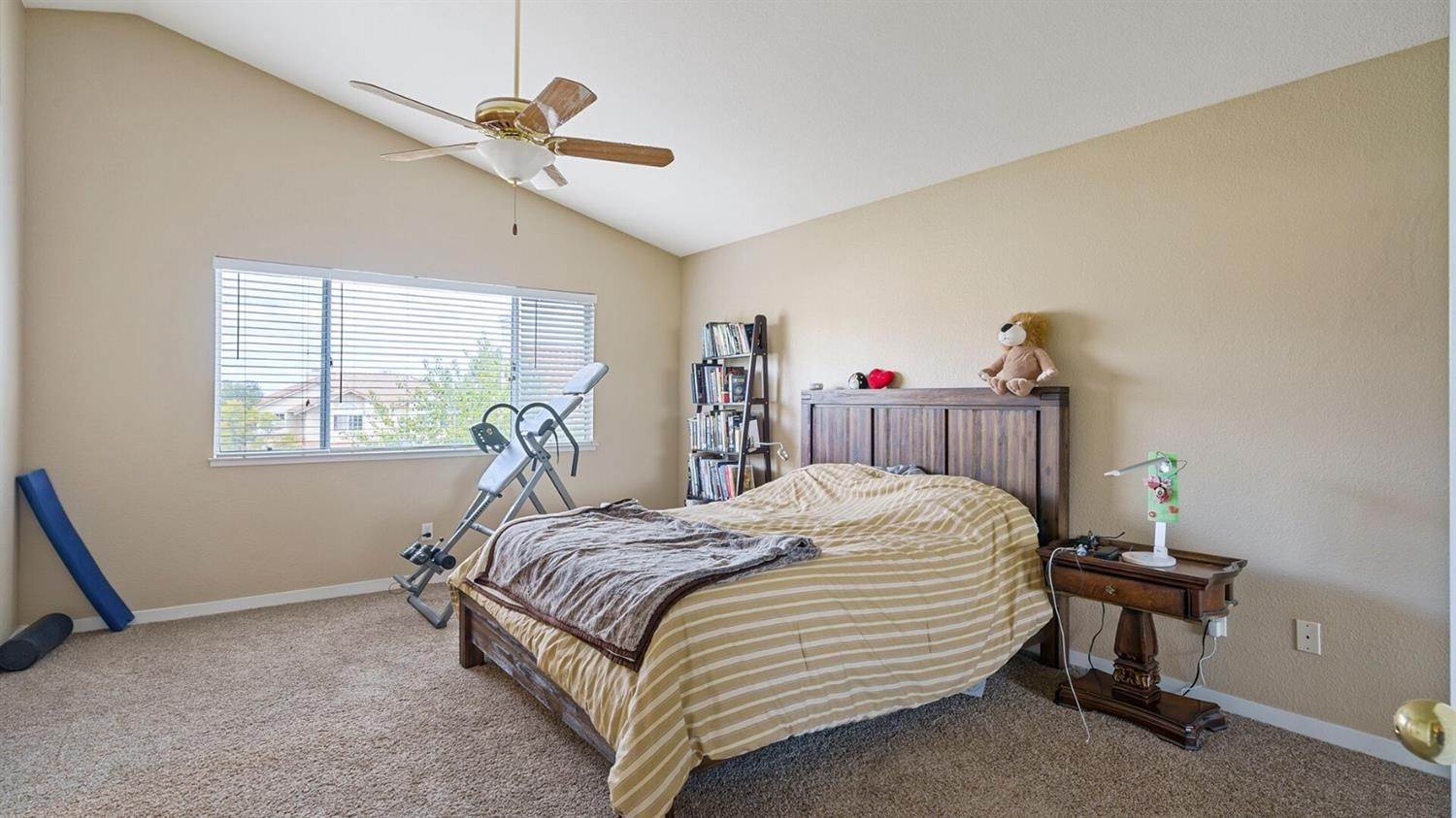 28. Single Family Homes for Active at 4252 Garibaldi Place Pleasanton, California 94566 United States