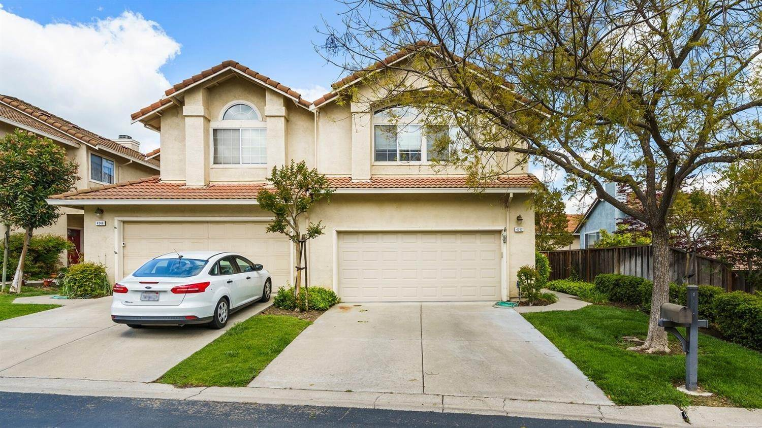 2. Single Family Homes for Active at 4252 Garibaldi Place Pleasanton, California 94566 United States