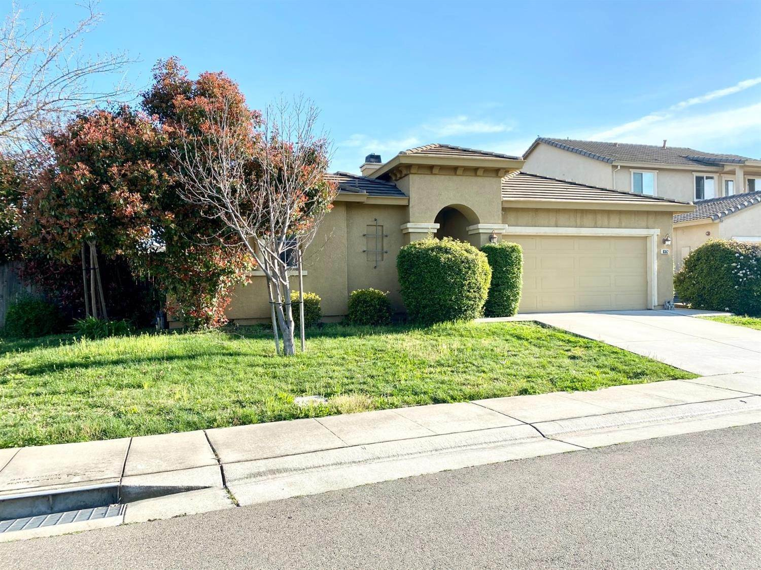 3. Single Family Homes for Active at 8362 Lollipop Lane Elk Grove, California 95624 United States