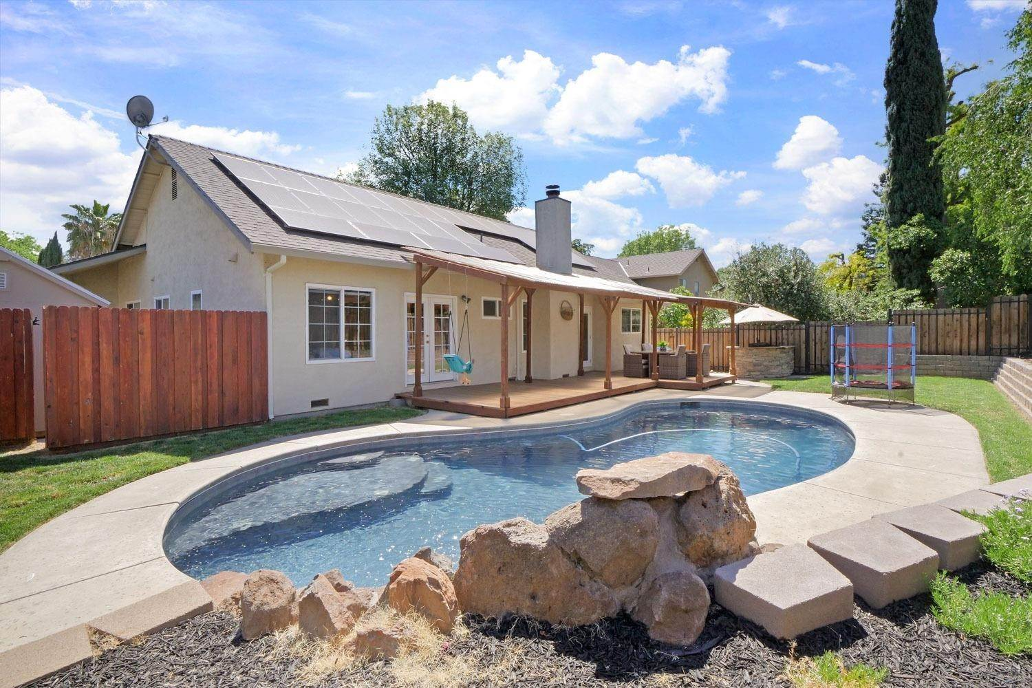 35. Single Family Homes for Active at 11 Wimbledon Lane Tracy, California 95376 United States