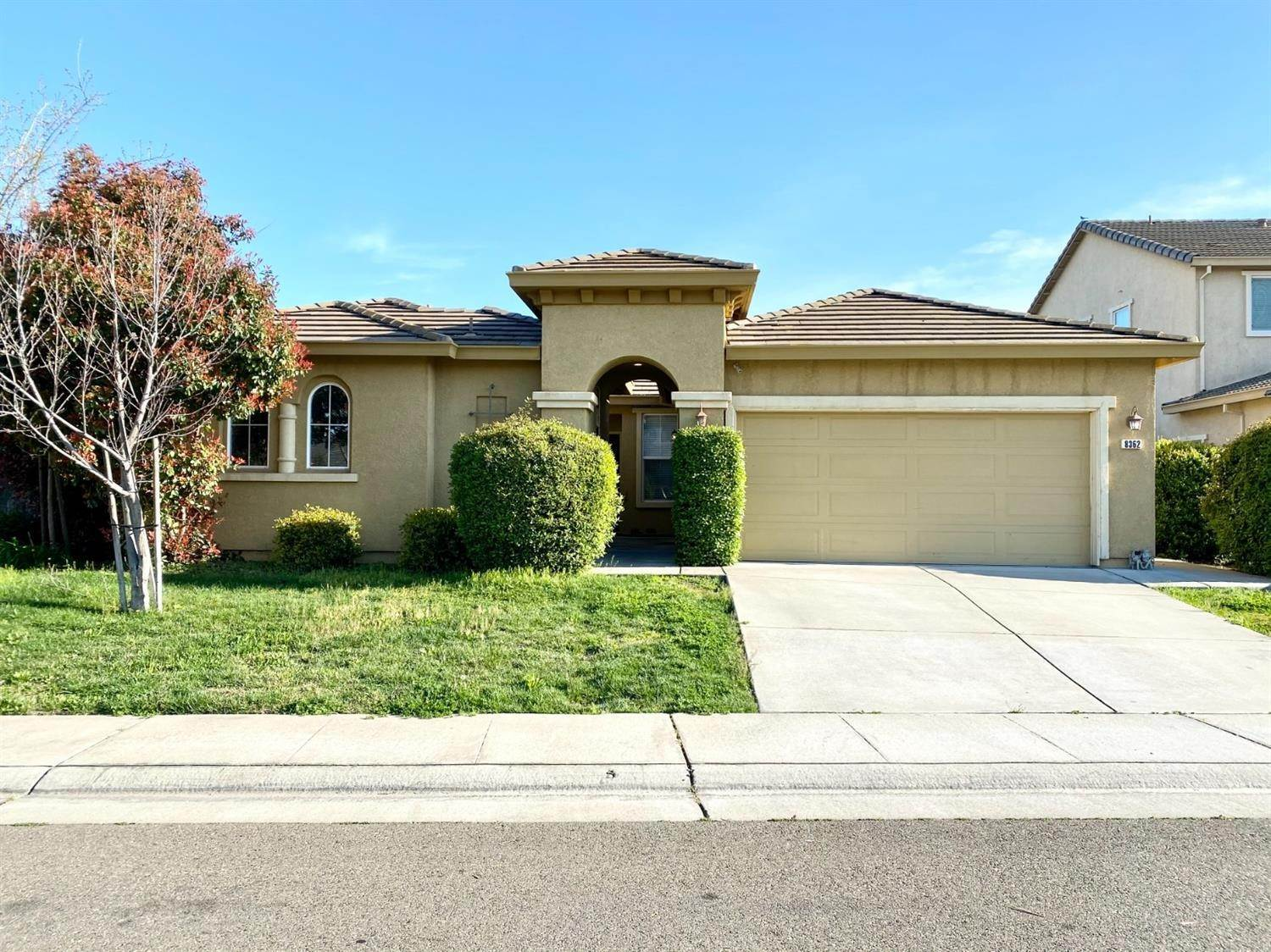 Single Family Homes for Active at 8362 Lollipop Lane Elk Grove, California 95624 United States