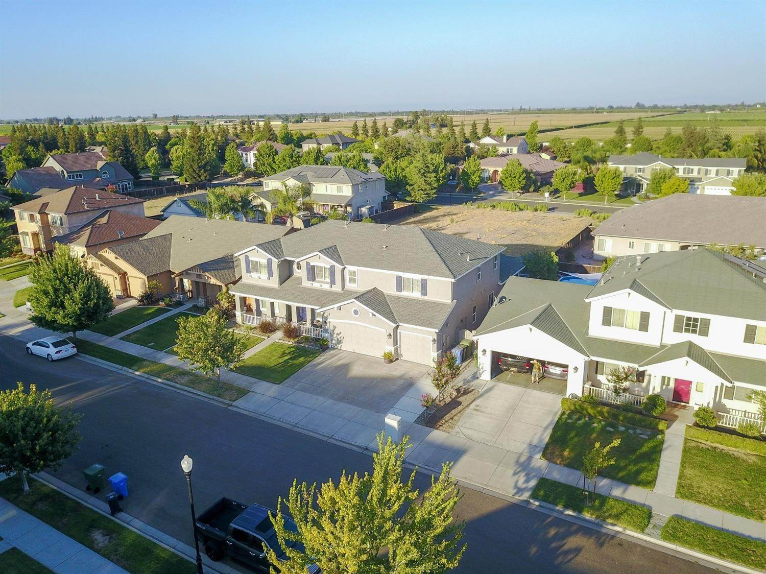6. Single Family Homes for Active at 4222 Windrose Drive Turlock, California 95382 United States