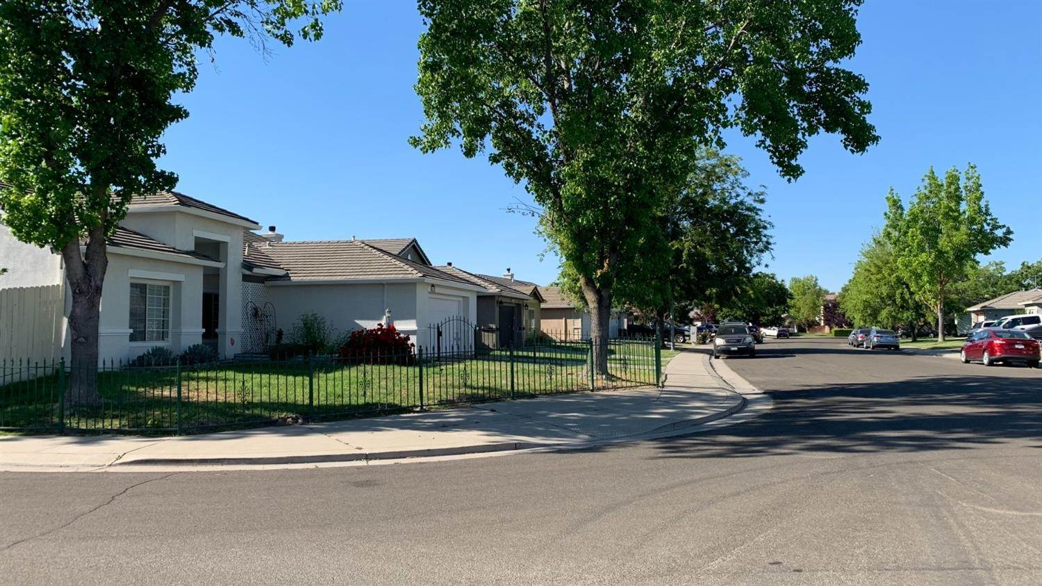 5. Single Family Homes for Active at 4757 Edgebrook Avenue Stockton, California 95206 United States