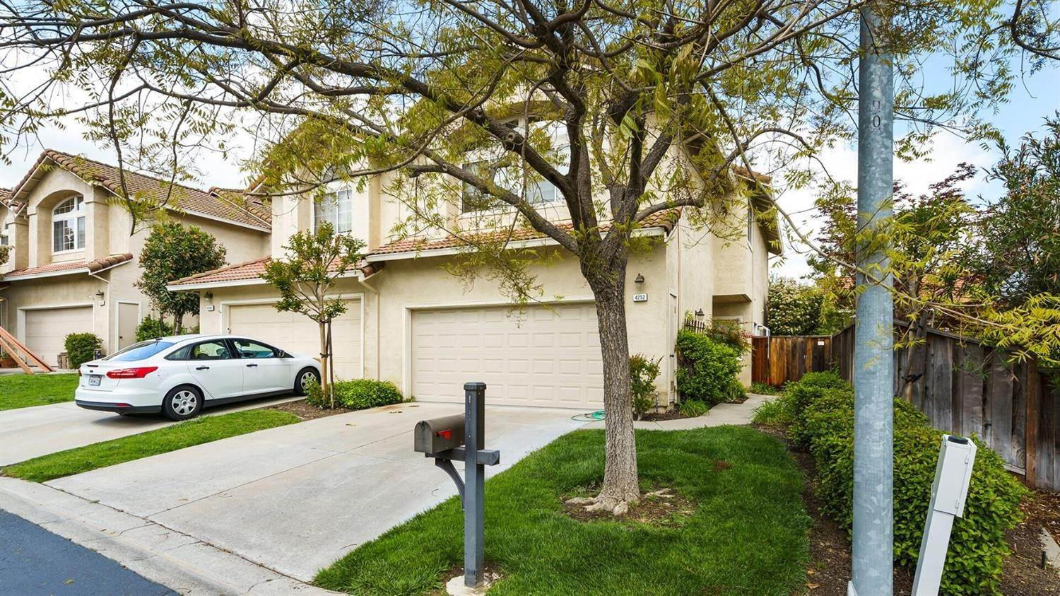 3. Single Family Homes for Active at 4252 Garibaldi Place Pleasanton, California 94566 United States