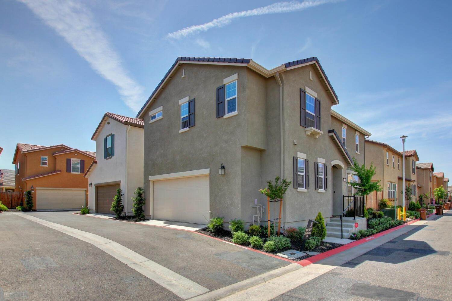 4. Single Family Homes for Active at 8200 Kramer Ranch Lane Elk Grove, California 95758 United States