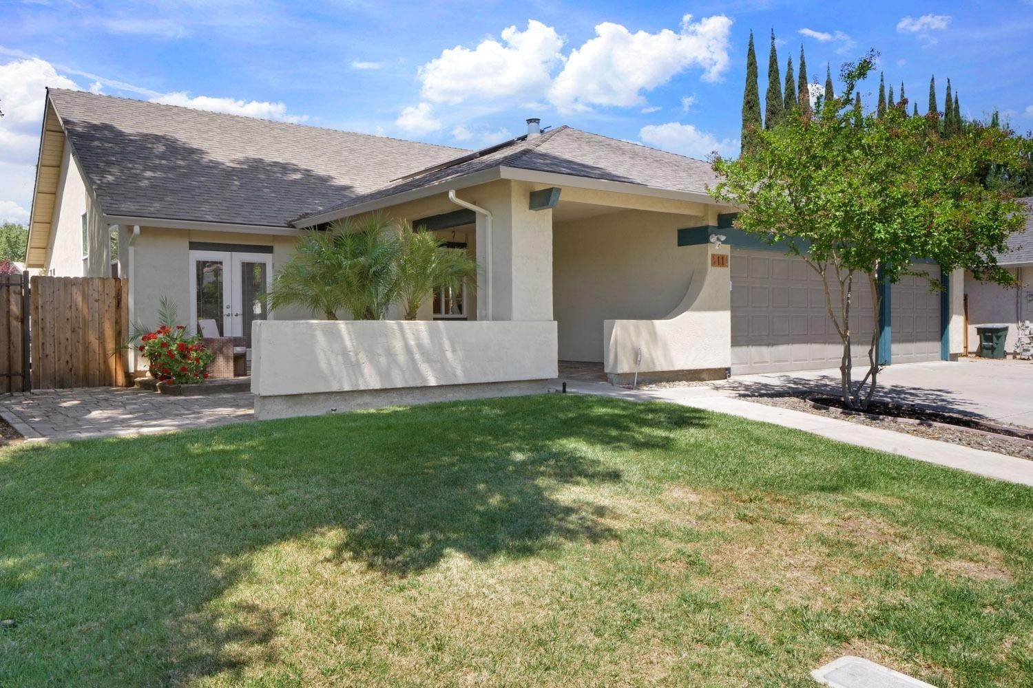 2. Single Family Homes for Active at 11 Wimbledon Lane Tracy, California 95376 United States