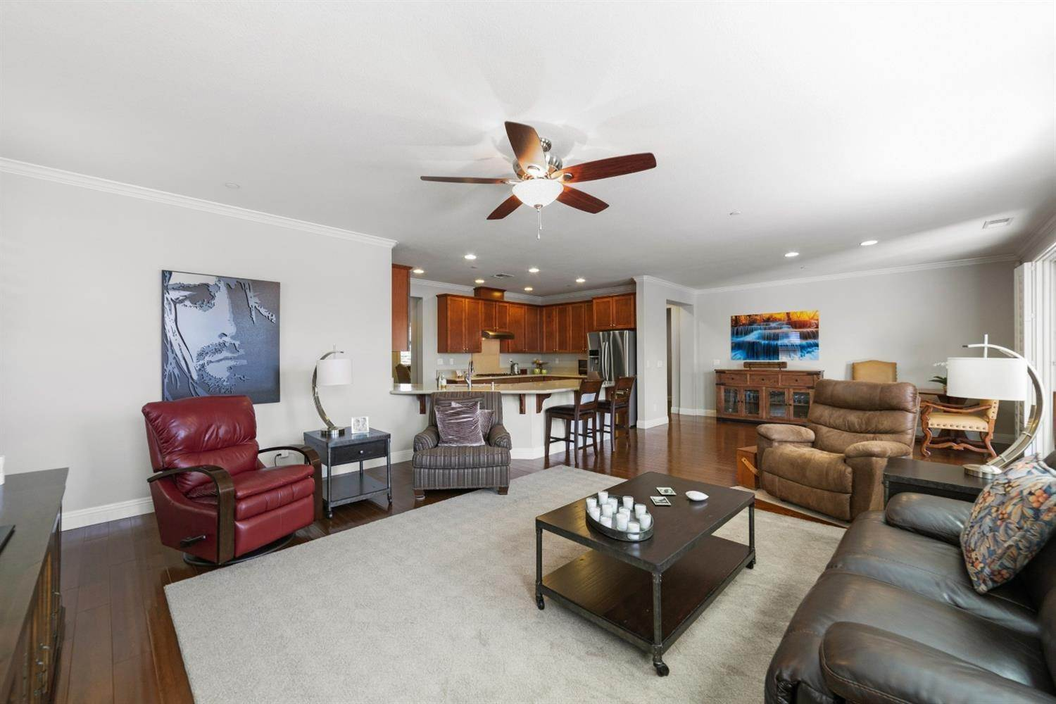 20. Single Family Homes for Active at 7900 Cellana Drive Elk Grove, California 95757 United States