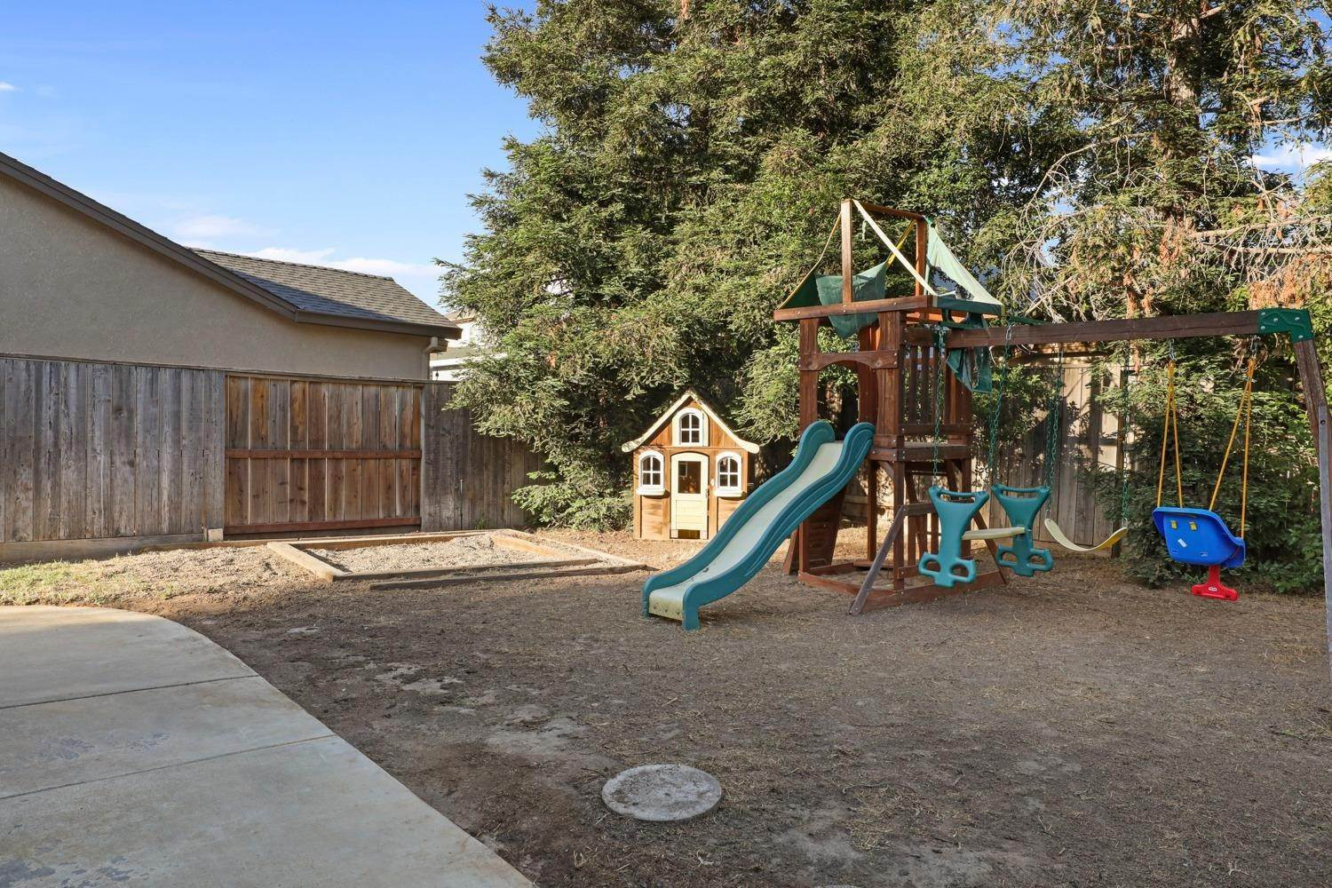 47. Single Family Homes for Active at 5702 Dainty Court Riverbank, California 95367 United States