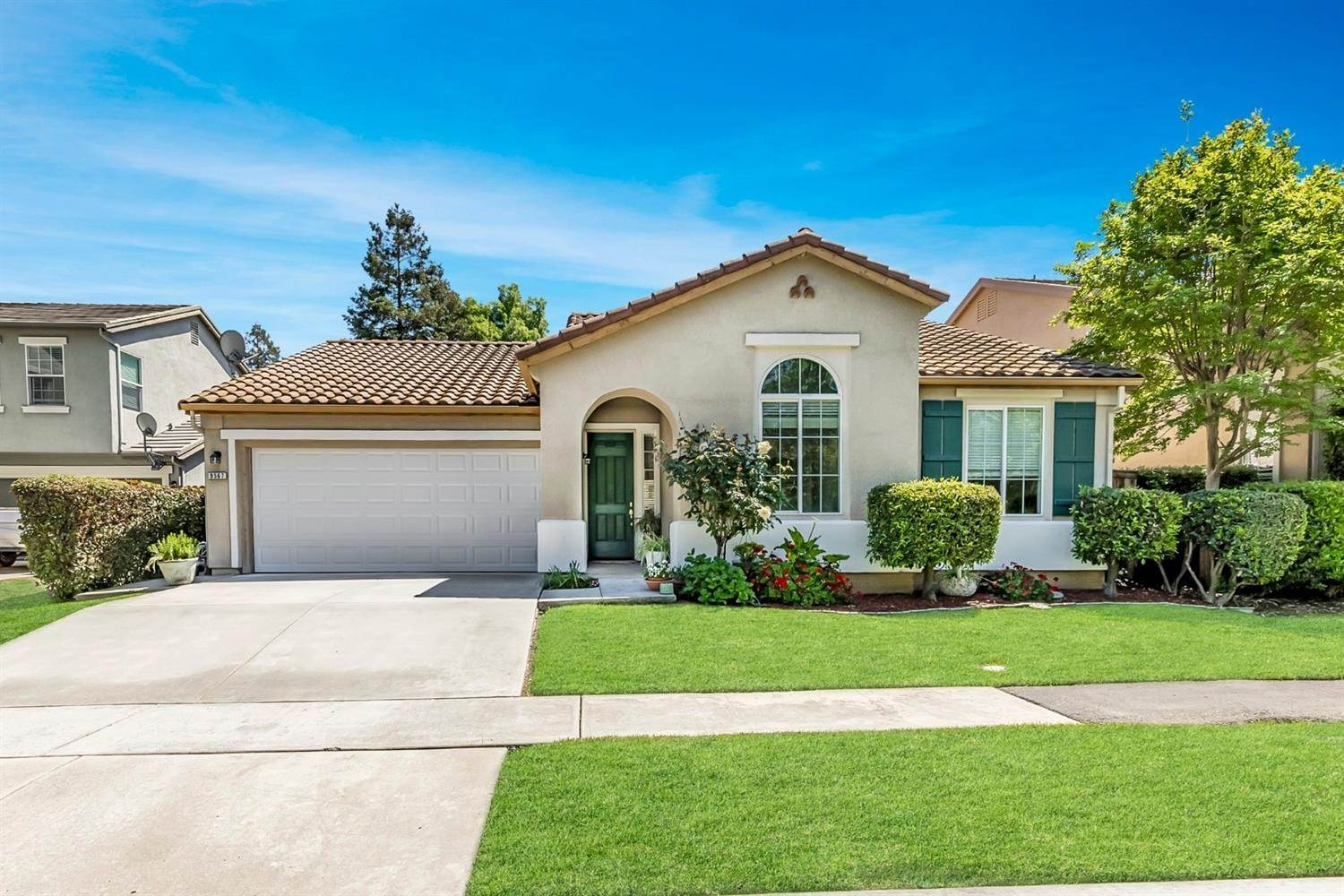 3. Single Family Homes for Active at 9567 Baypoint Way Elk Grove, California 95624 United States