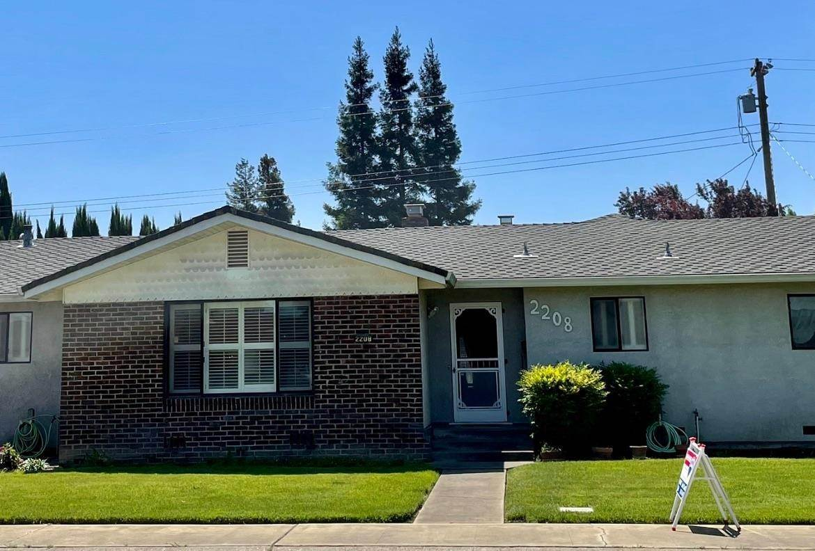 2. Single Family Homes for Active at 2208 JACKSON Street Lodi, California 95242 United States