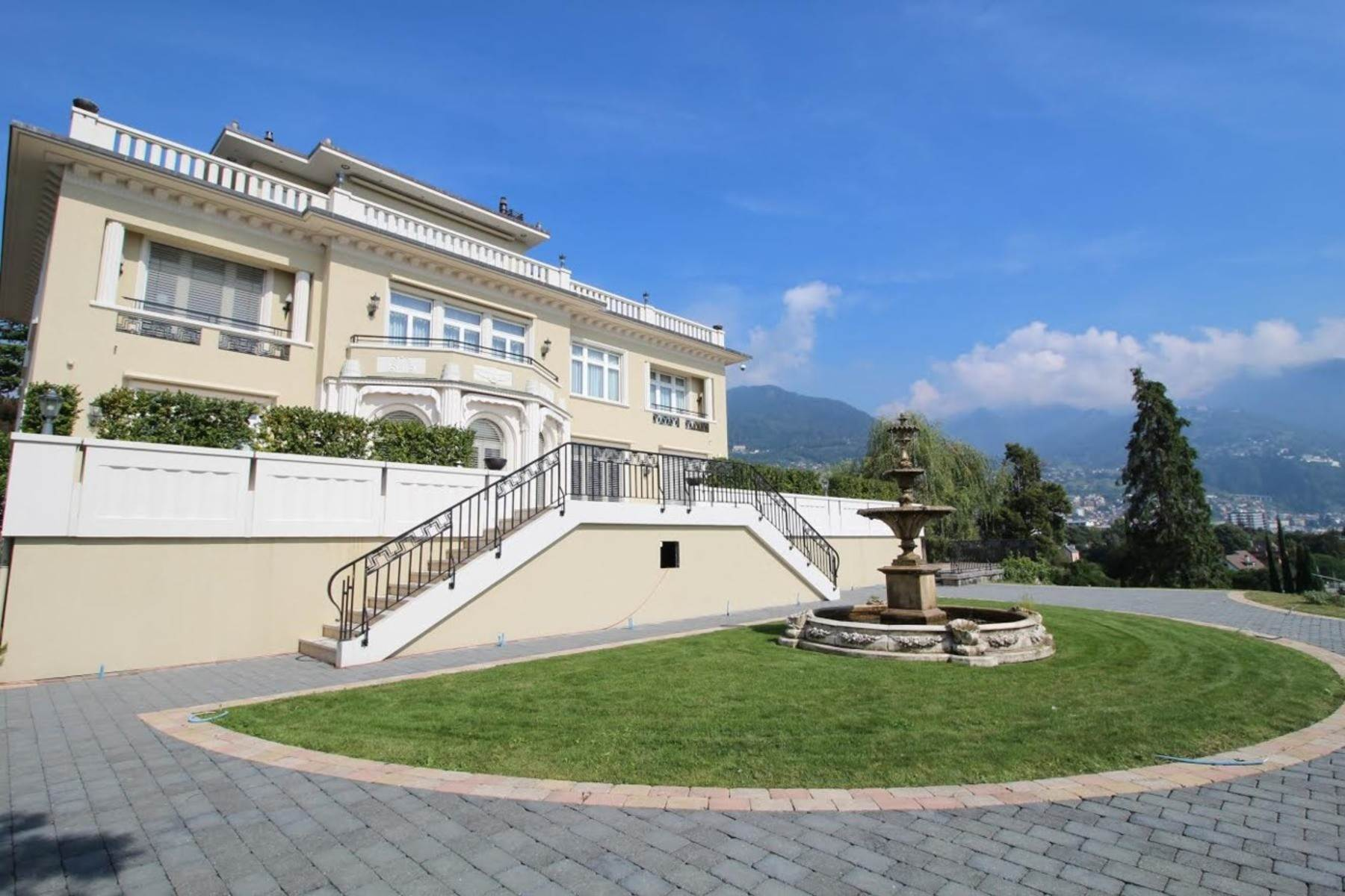 Single Family Homes 为 销售 在 Superb mansion with spectacular views over the lake Clarens/Montreux 蒙特勒, 沃州 1820 瑞士