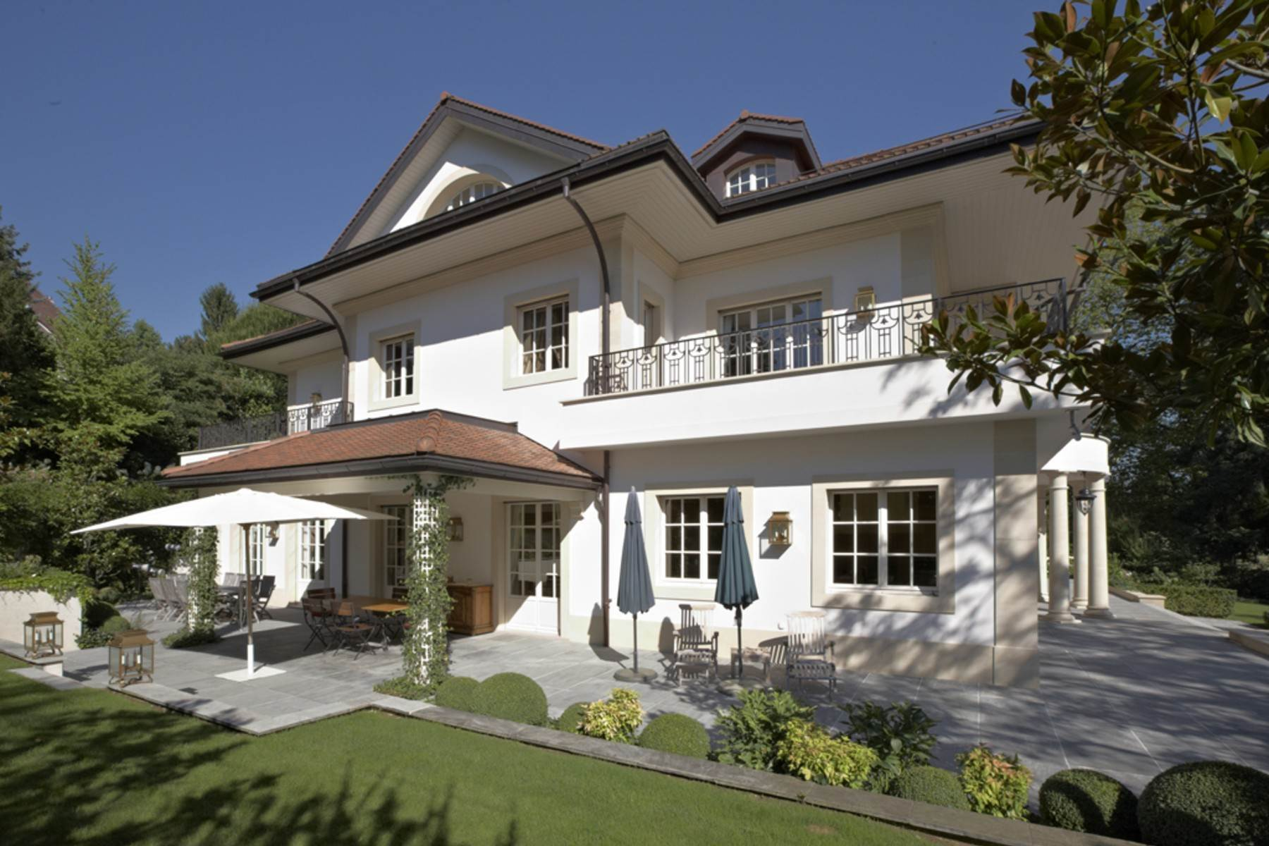 Single Family Homes for Active at Superb mansion close to Denantou park Lausanne Lausanne, Vaud 1006 Switzerland
