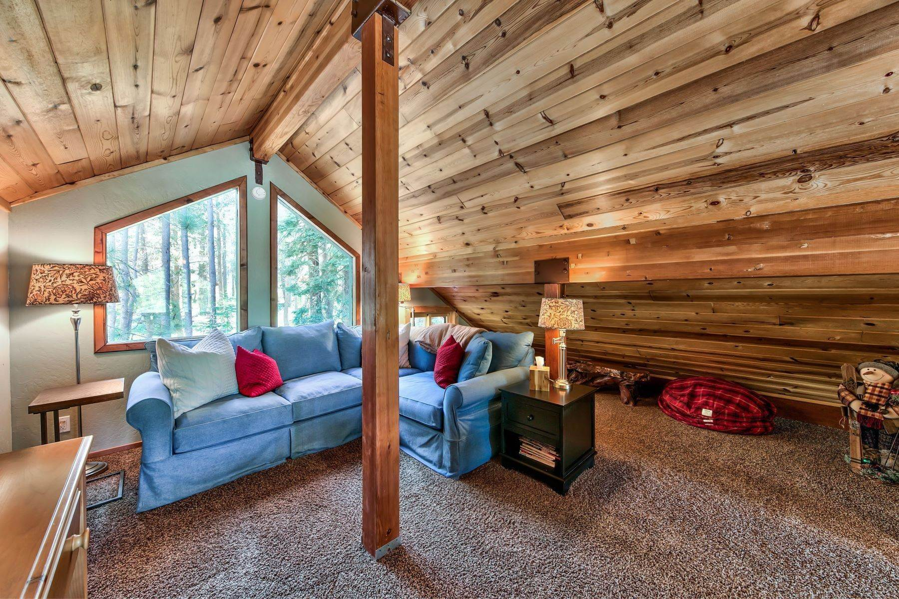 11. Single Family Homes for Active at Remodeled Tahoe Donner Retreat 15151 Northwoods Boulevard Truckee, California 96161 United States