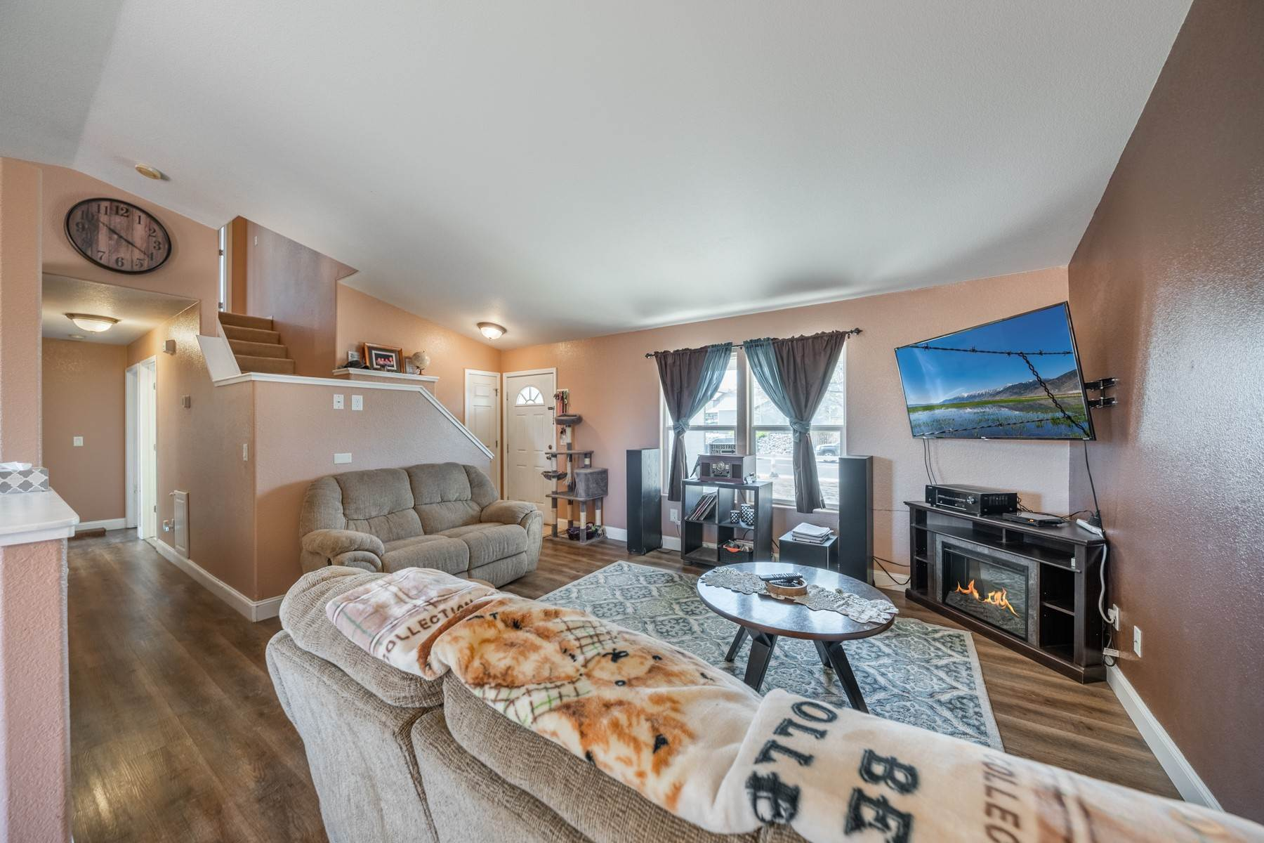 6. Single Family Homes for Active at Just 25 minutes from Reno 147 Desert Springs Ln Fernley, Nevada 89408 United States