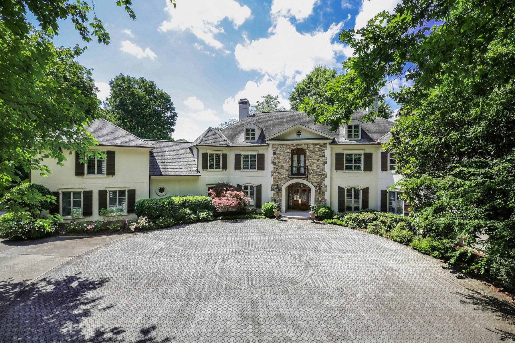 Single Family Homes for Active at Custom Estate Sits on 2.6+/- Acres in Sandy Springs 1370 Indian Trail Sandy Springs, Georgia 30327 United States