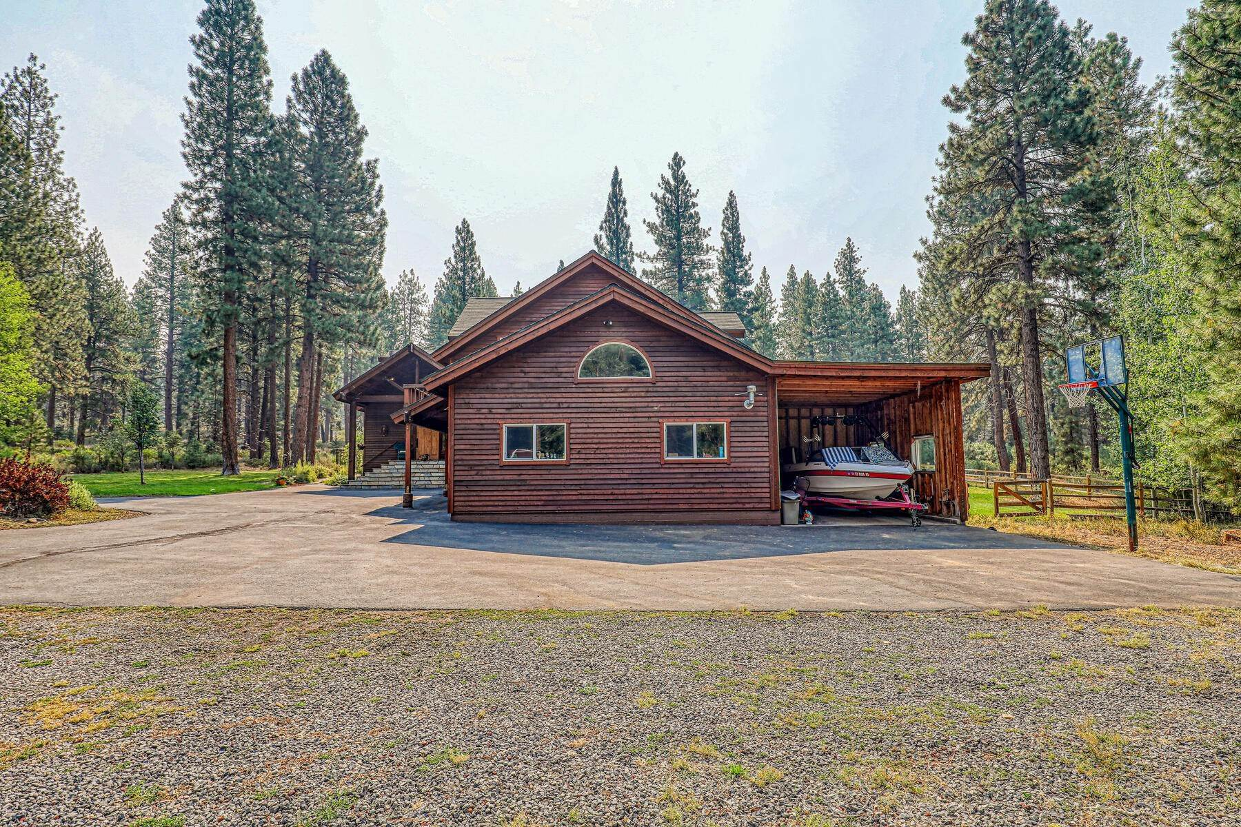 2. Single Family Homes for Active at Best Kept Secret In Truckee Is Out 10915 Royal Crest Drive Truckee, California 96161 United States