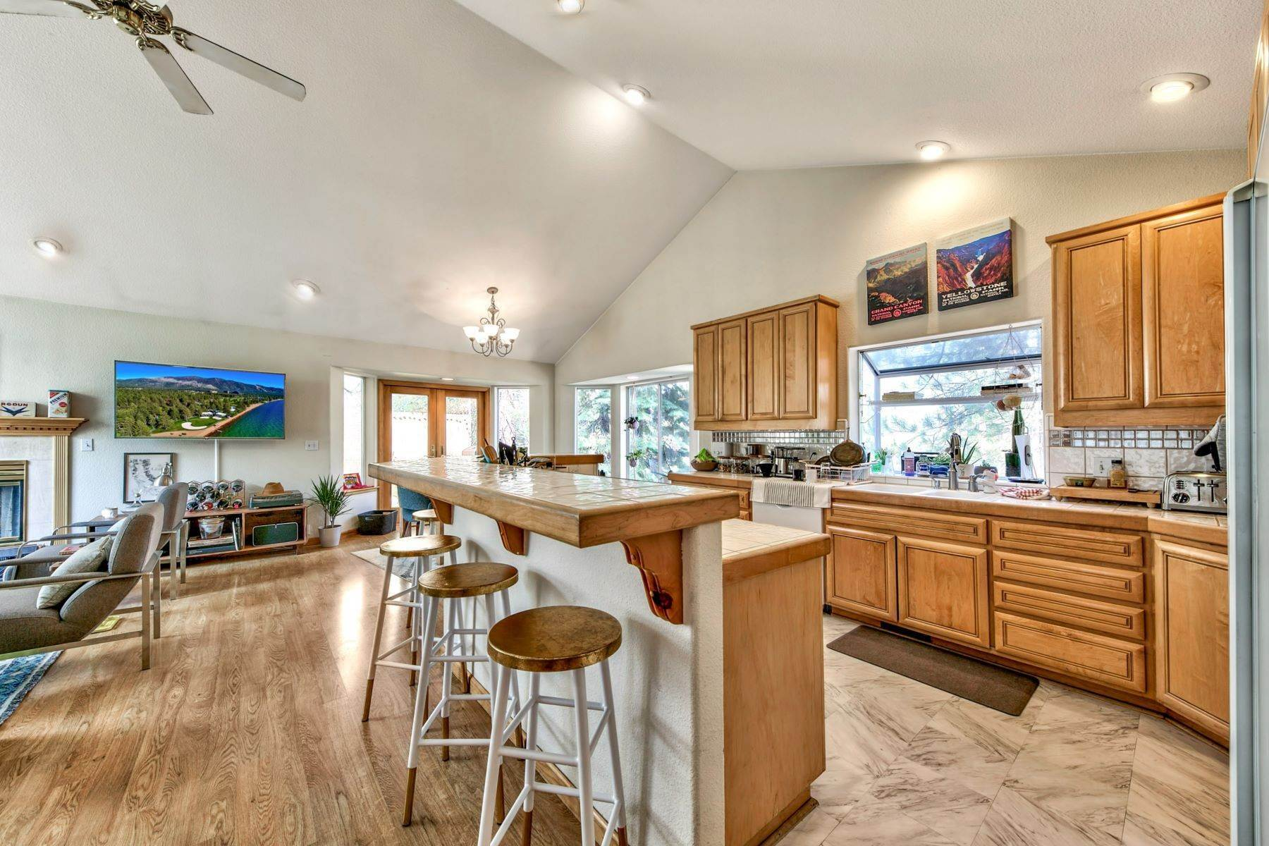 7. Single Family Homes for Active at Kokanee Estates Mountain Home 3067 Kokanee Trail South Lake Tahoe, California 96150 United States