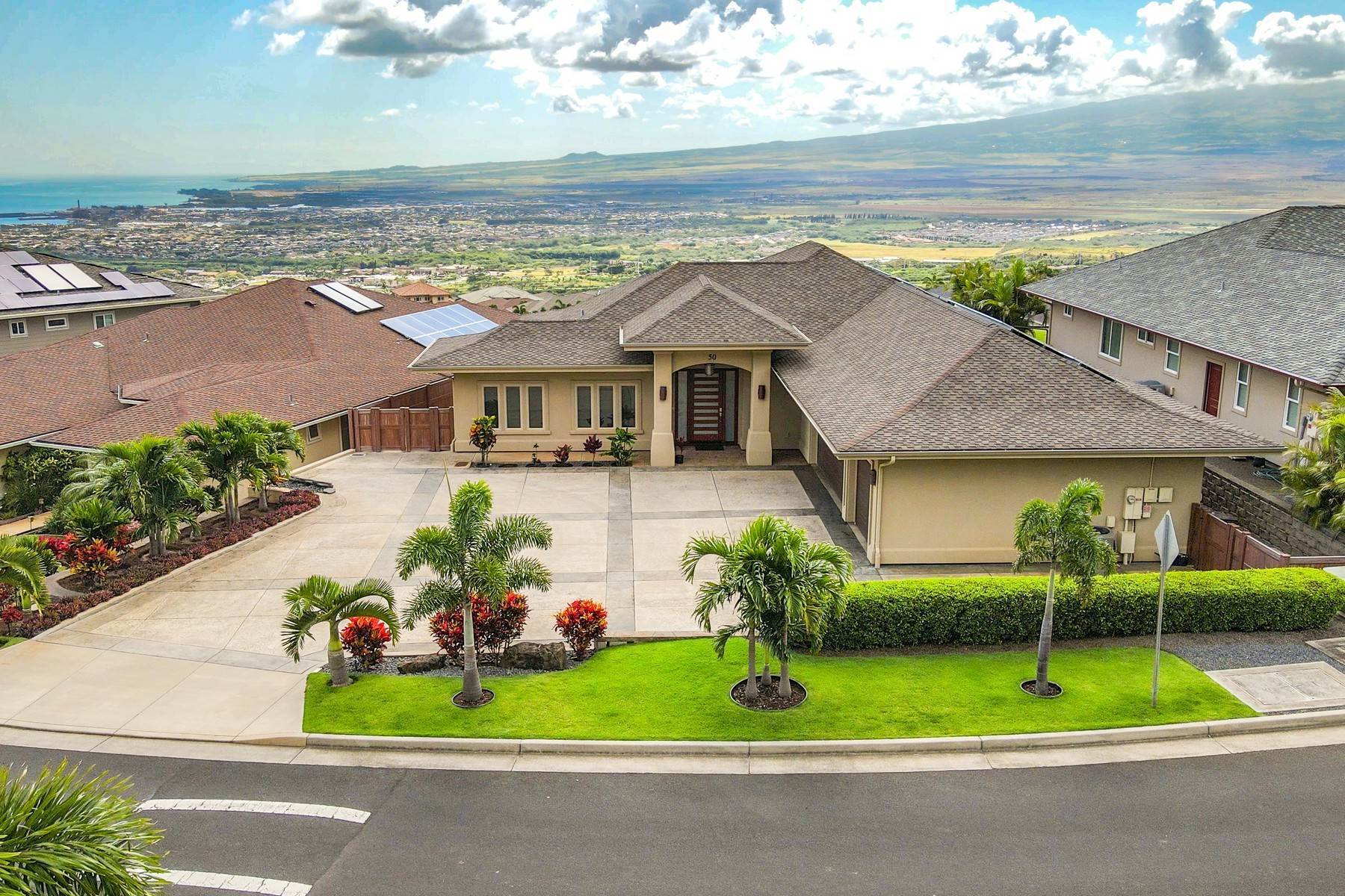 Single Family Homes 为 销售 在 Koa at Kehalani - Executive Living - Central Maui - Big Views 50 Papakapu Place 怀卢库, 夏威夷 96793 美国