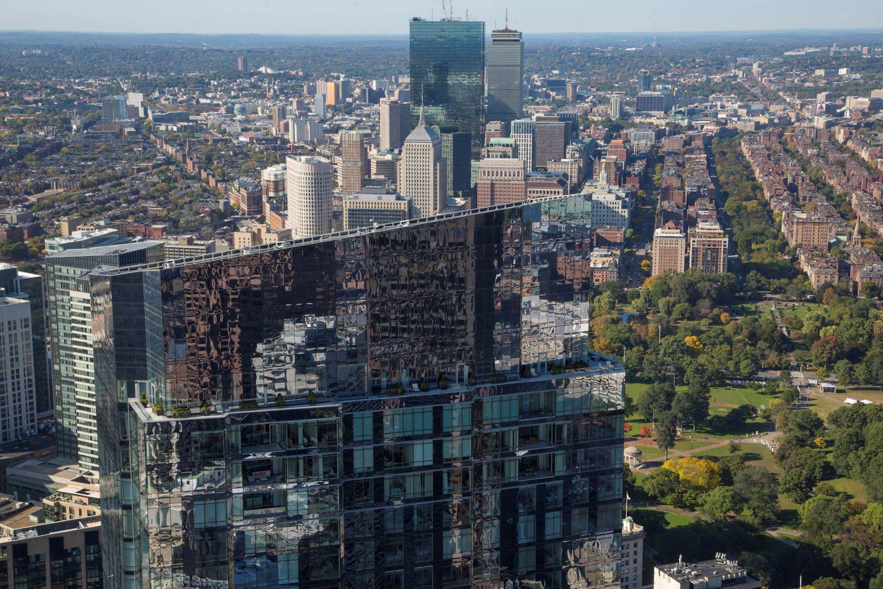 Condominiums for Active at Millennium Tower 'The Grand Penthouse' Single Floor Residence 1 Franklin Street, Unit GPH Boston, Massachusetts 02110 United States