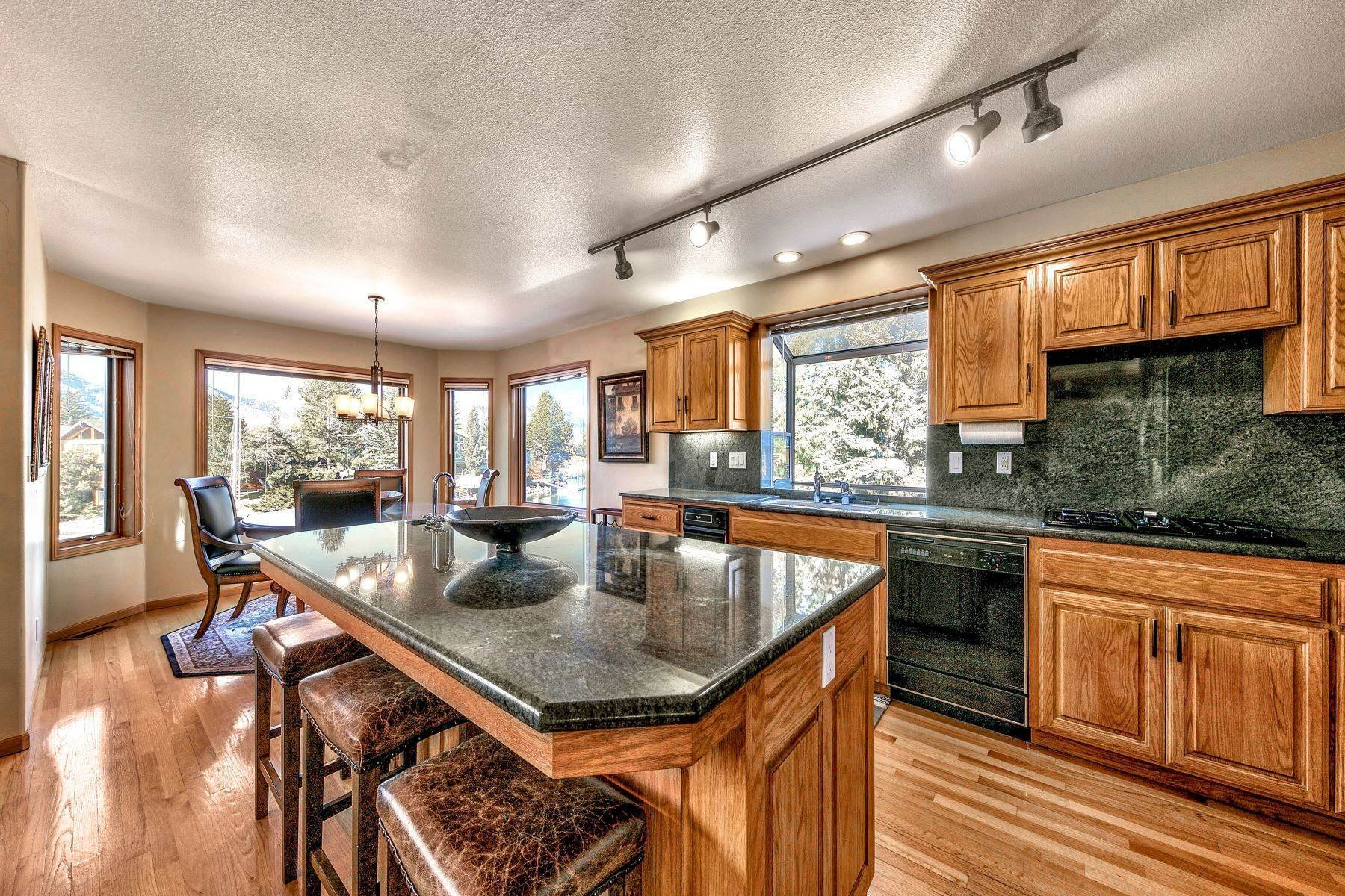 5. Single Family Homes for Active at Mountain Luxury Living 1959 Marconi Way South Lake Tahoe, California 96150 United States