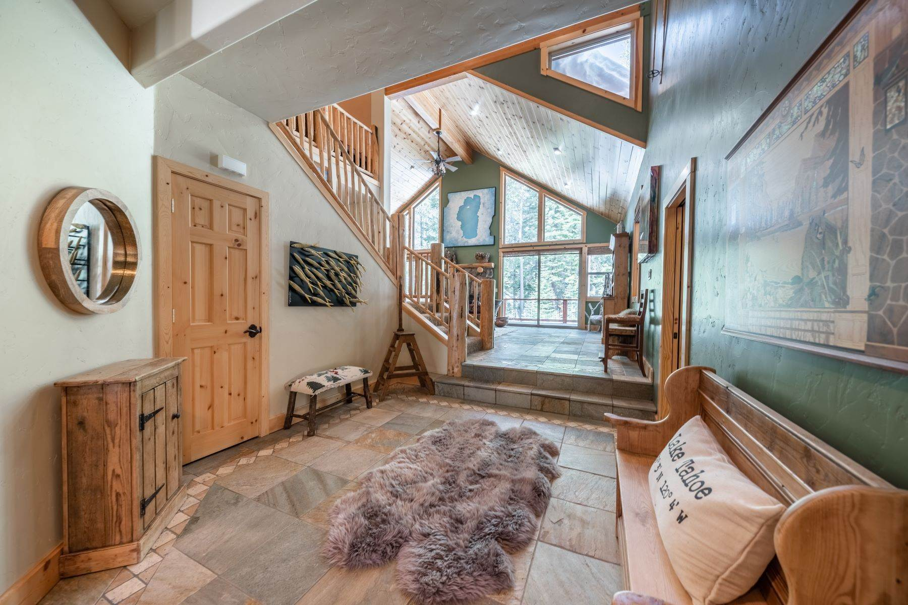 5. Single Family Homes for Active at Breathtaking Mountain Home in Ideal Location 11494 Oslo Dr Truckee, California 96161 United States