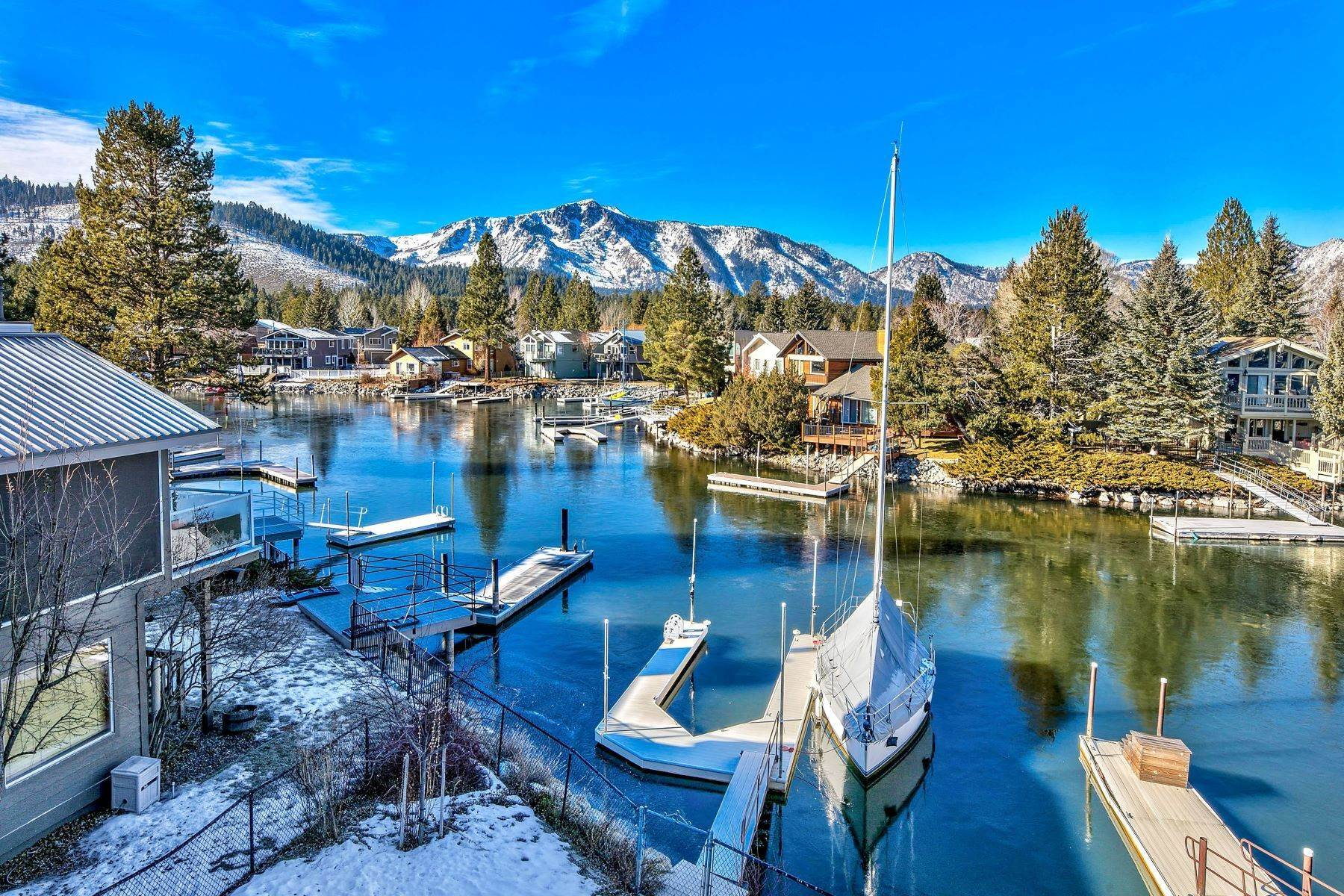 33. Single Family Homes for Active at Mountain Luxury Living 1959 Marconi Way South Lake Tahoe, California 96150 United States