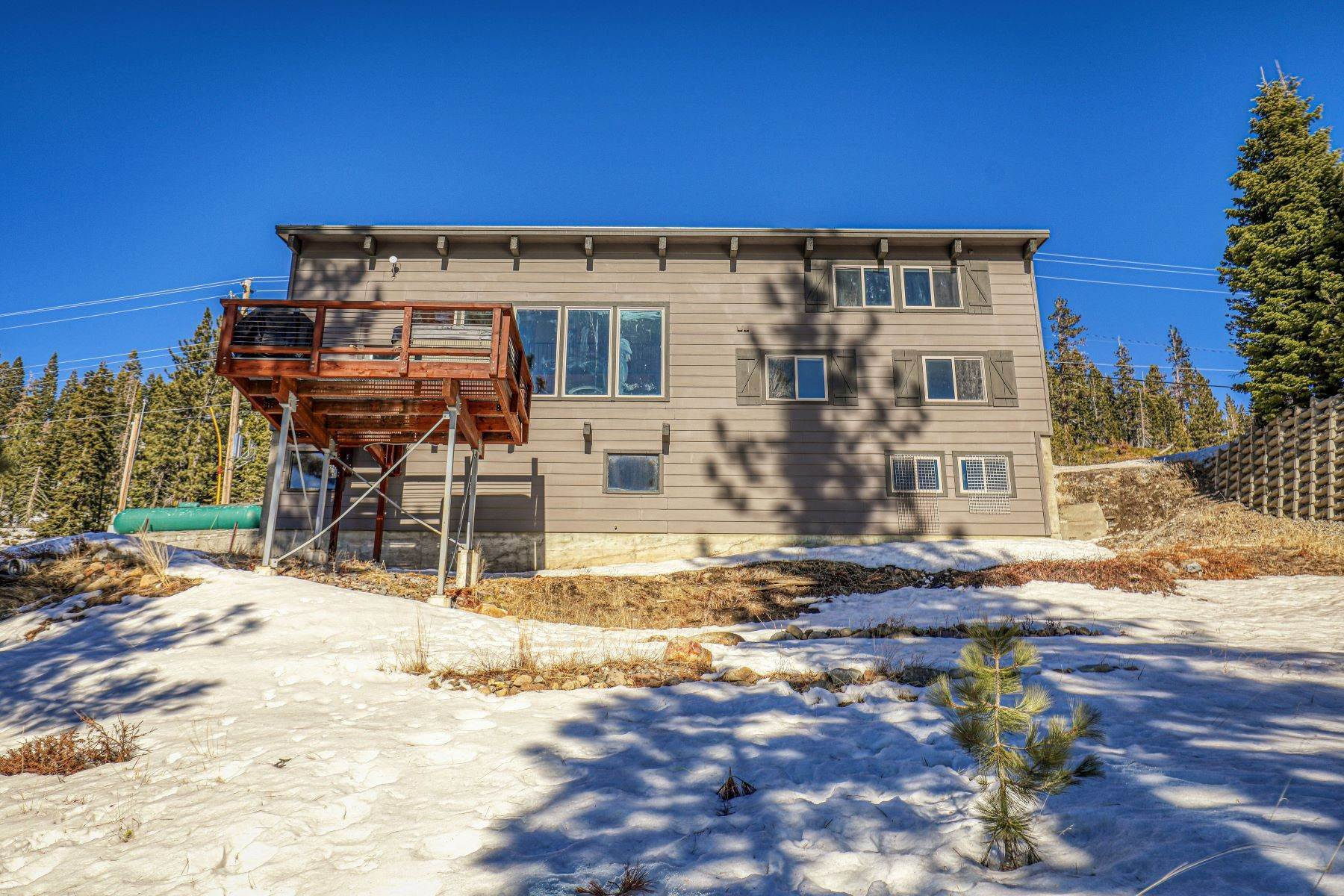 39. Single Family Homes for Active at Donner Summit Base Camp 58376 Donner Pass Road Norden, California 95724 United States