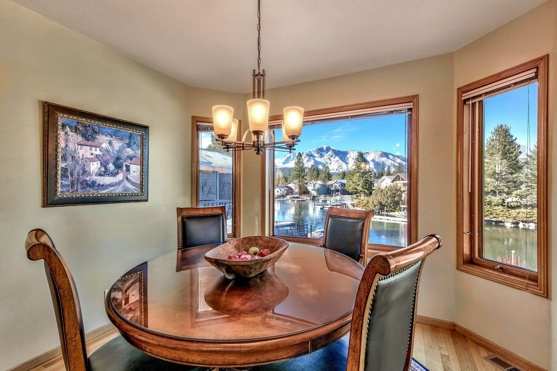 21. Single Family Homes for Active at Mountain Luxury Living 1959 Marconi Way South Lake Tahoe, California 96150 United States