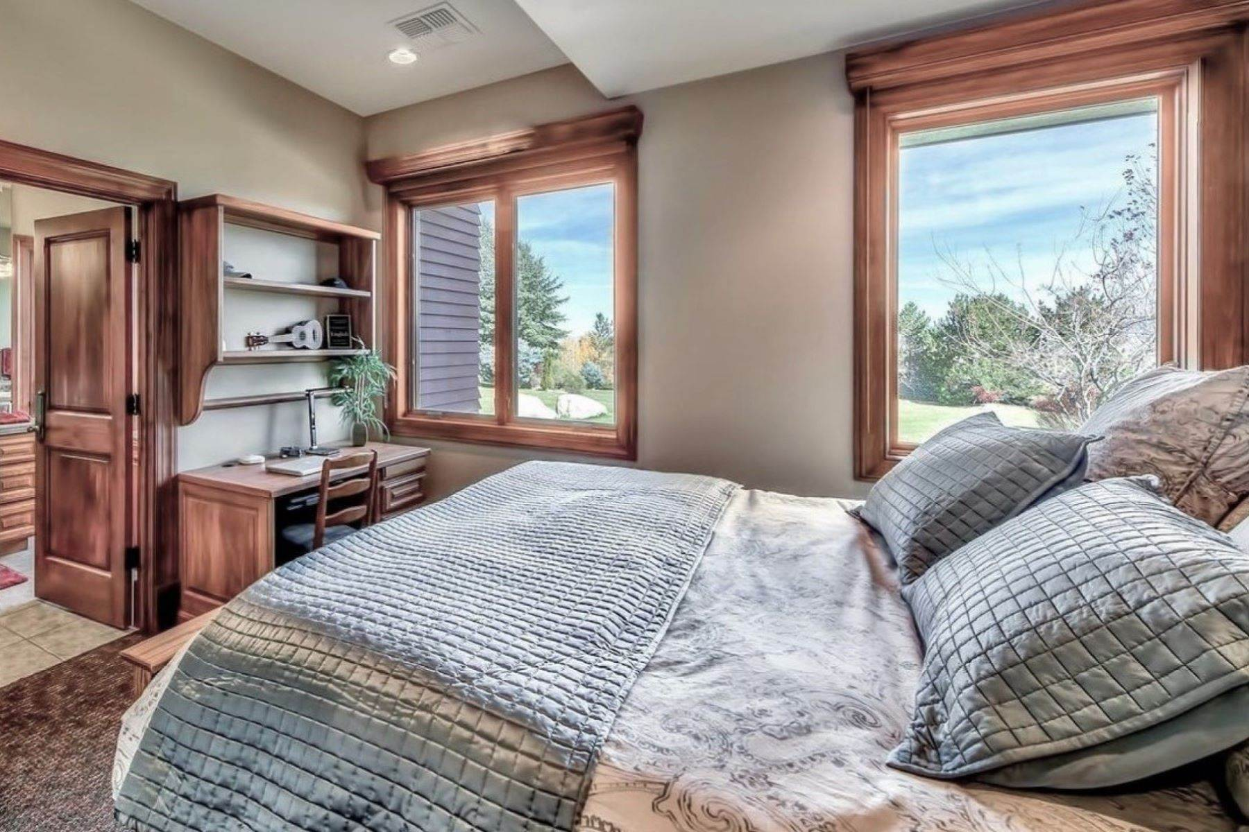 21. Single Family Homes for Active at Private Estate Near Lake Tahoe 263 Sierra Country Circle Gardnerville, Nevada 89460 United States